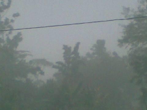 Hujan angin.jpg
